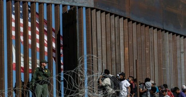 ACLU: Constitution Requires Illegal Aliens Count Toward Congressional Apportionment